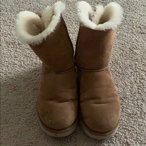 Women's ugg boots size 9, with bows